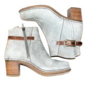 Beautiful Dansko gray leather ankle boots like new